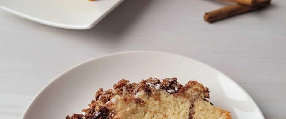 Koolhydraatarme cake met koffiesmaak en pecannoten